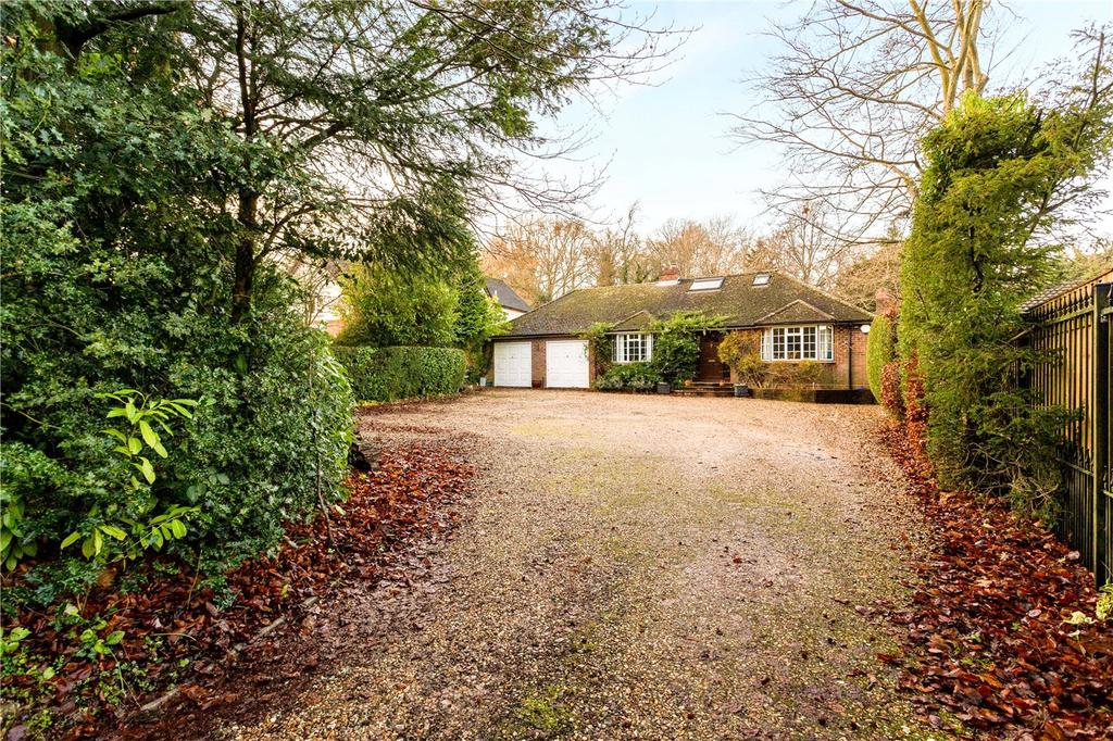 4 Bedrooms Detached Bungalow for sale in Harts Lane, Burghclere, Newbury, Hampshire, RG20