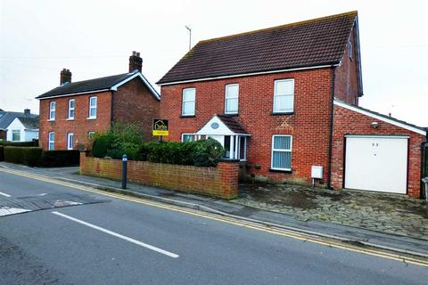 8 bedroom detached house to rent - Canford Road, Bournemouth