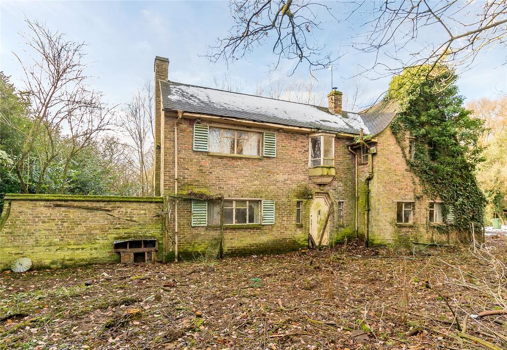 4 Bedrooms Detached House for sale in Bower Heath Lane, Bower Heath, Harpenden, Hertfordshire