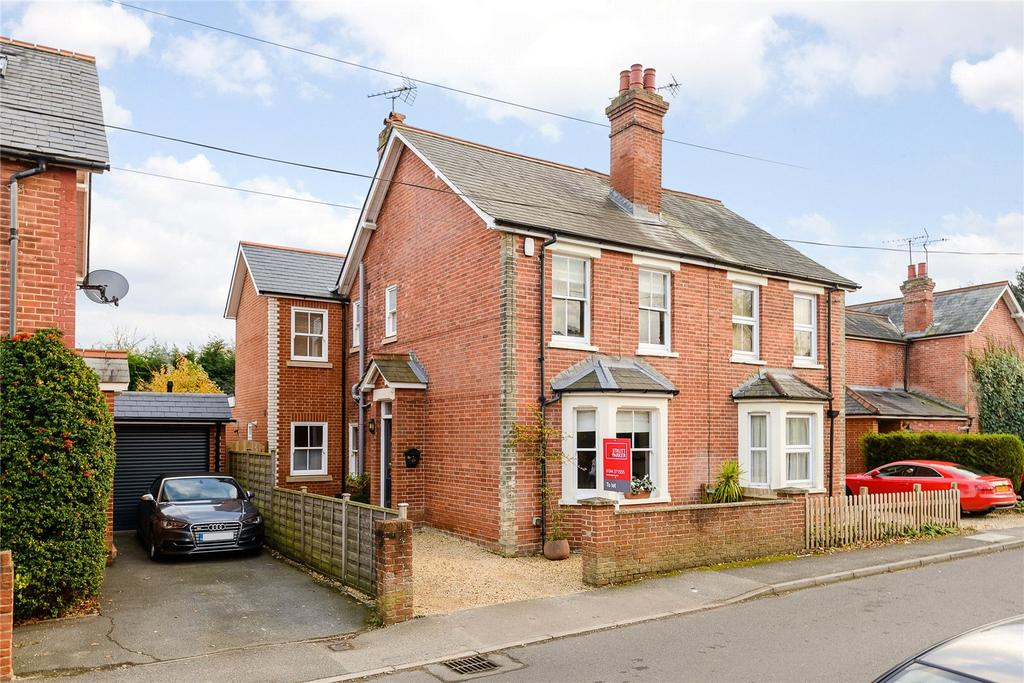 3 Bedrooms Semi Detached House for sale in Kennel Ride, Ascot, Berkshire