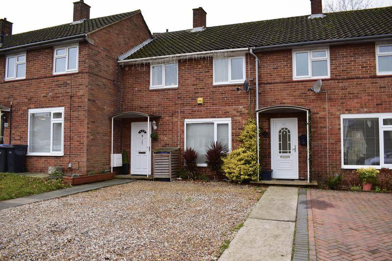 2 Bedrooms Terraced House for sale in Carters Mead, Harlow