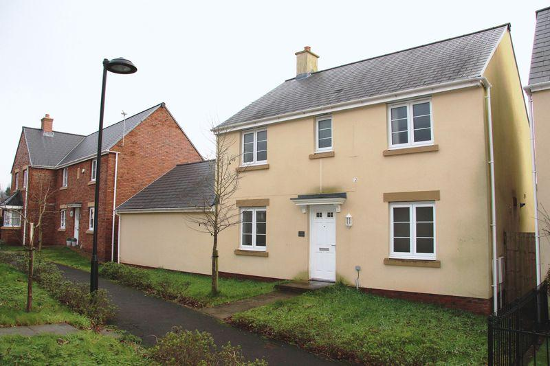 4 Bedrooms Detached House for sale in Roundbush Crescent, Caerwent NP26 5AG