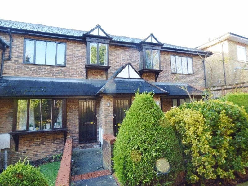 2 Bedrooms Maisonette Flat for sale in LEATHERHEAD