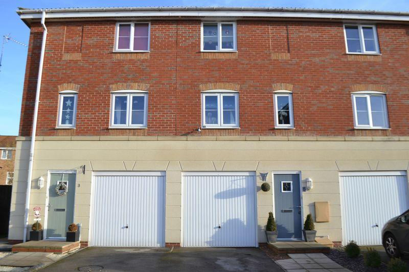 3 Bedrooms Mews House for sale in Avocet Mews, Scunthorpe