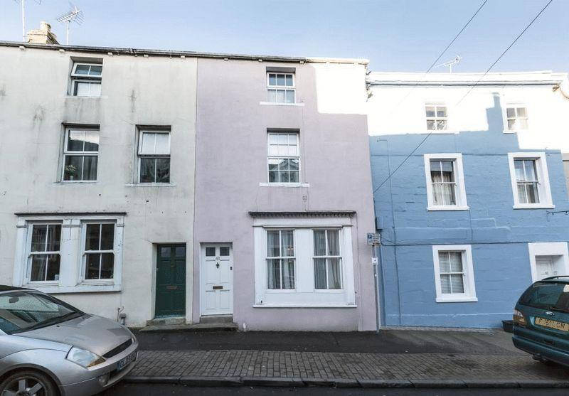 3 Bedrooms Terraced House for sale in Catherine Street, Frome