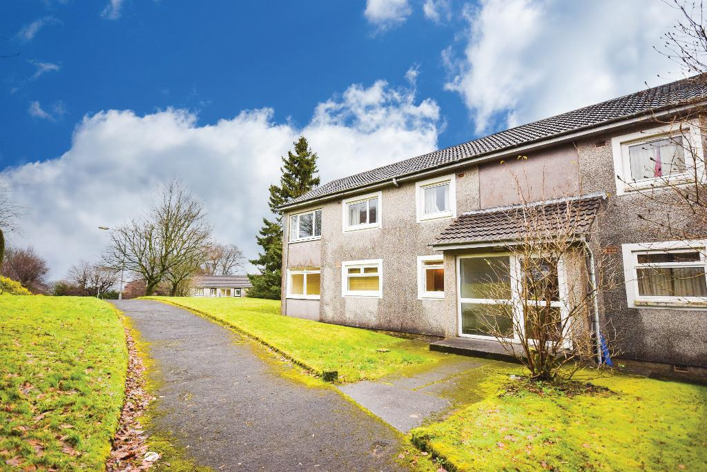 2 Bedrooms Ground Flat for sale in Bonnyton Drive, Eaglesham, Glasgow, G76 0LS