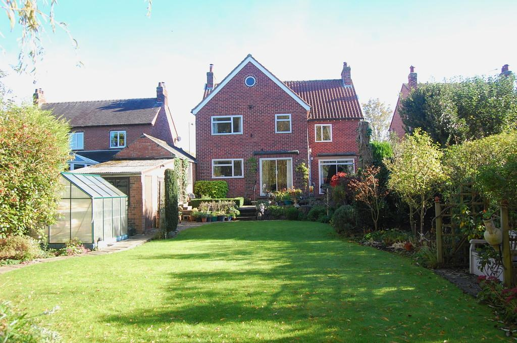 4 Bedrooms Detached House for sale in Brompton Road, Northallerton
