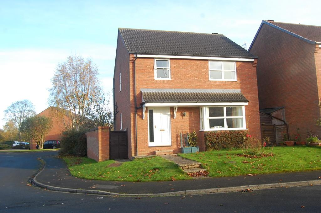3 Bedrooms Detached House for sale in Rowans Way, Northallerton