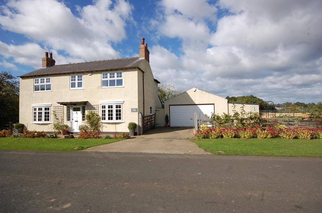 4 Bedrooms Detached House for sale in Little Langton, Northallerton