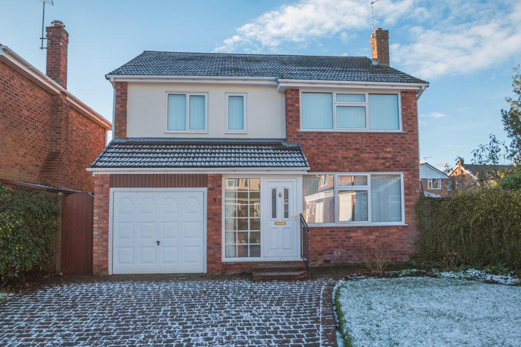 4 Bedrooms Detached House for sale in Farndon Close, Cuddington