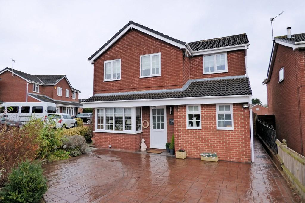 4 Bedrooms Detached House for sale in Tudor Hollow, Stretton