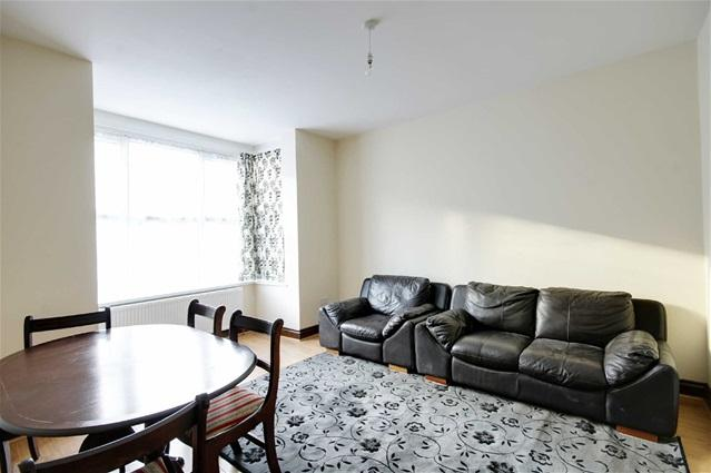 4 Bedrooms Terraced House for rent in Ruskin Avenue, Manor Park