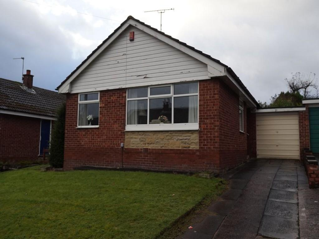 2 Bedrooms Semi Detached Bungalow for sale in Sunningdale, Bradford