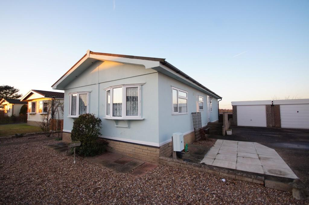 2 Bedrooms Park Home Mobile Home for sale in Stonecliffe Park, Prebend Lane