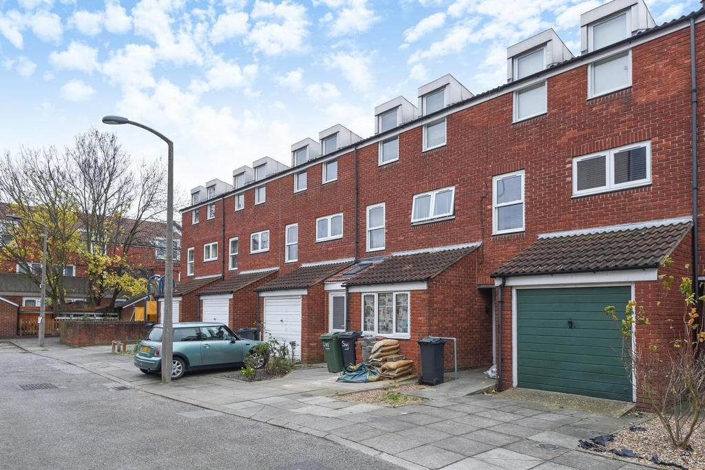 4 Bedrooms Terraced House for sale in Oaklands Place, Clapham