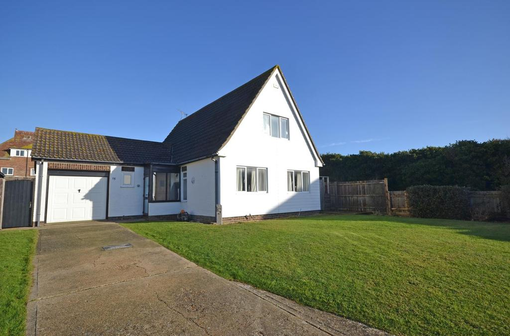 4 Bedrooms Detached House for sale in Marine Gardens, Selsey, PO20