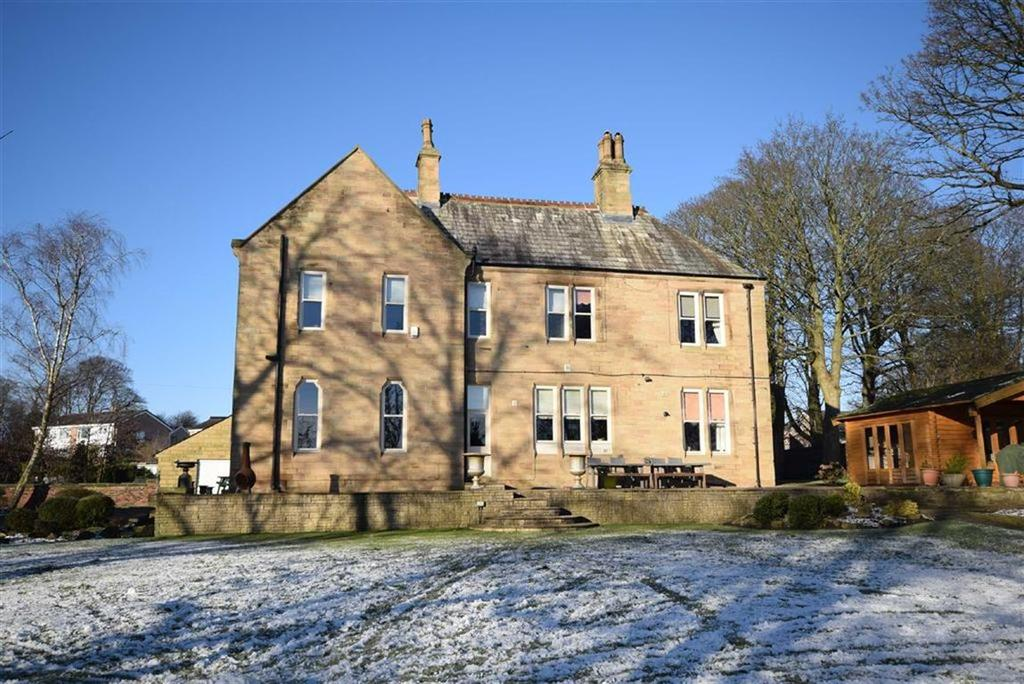 4 Bedrooms Detached House for sale in Church Street, Barrowford, Lancashire