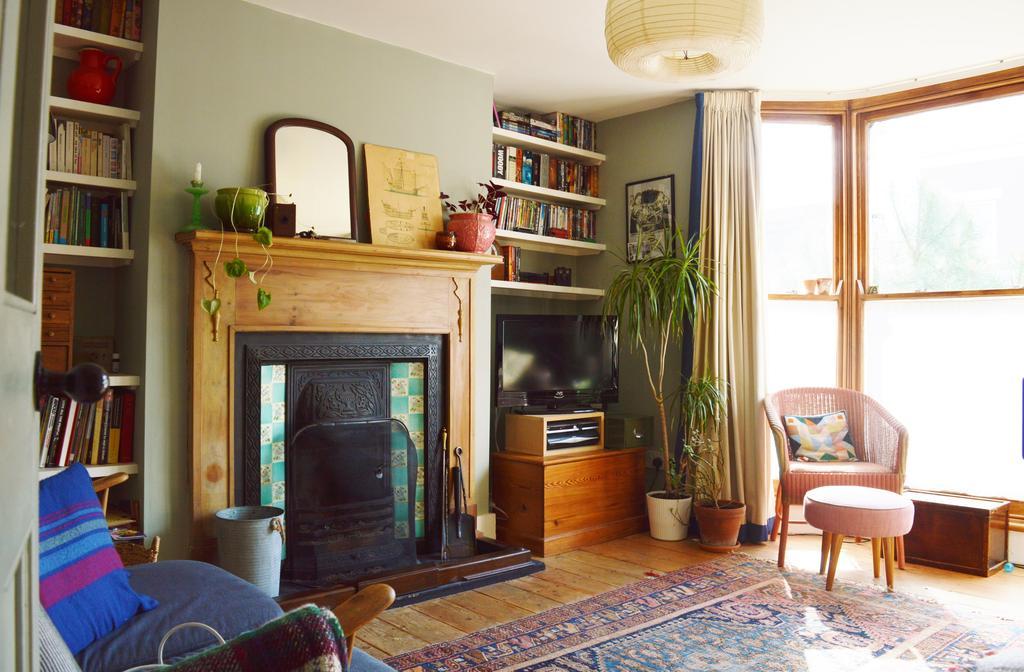 3 Bedrooms Maisonette Flat for rent in Hackney, London E5