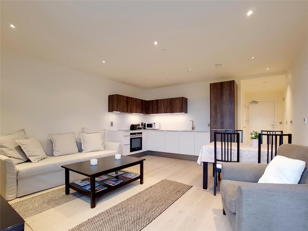 1 Bedroom Flat for sale in Lockington Road, Battersea Exchange, London, SW8