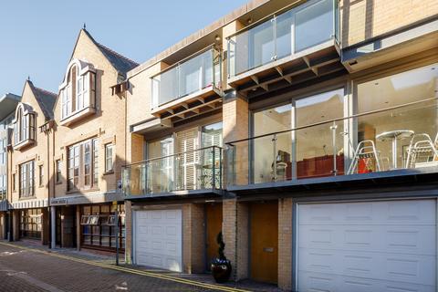 3 bedroom terraced house to rent - Cambridge Place, Cambridge, CB2