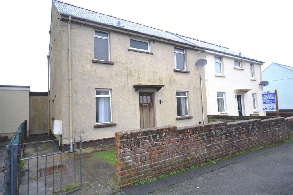 4 Bedrooms Semi Detached House for sale in Milford Haven