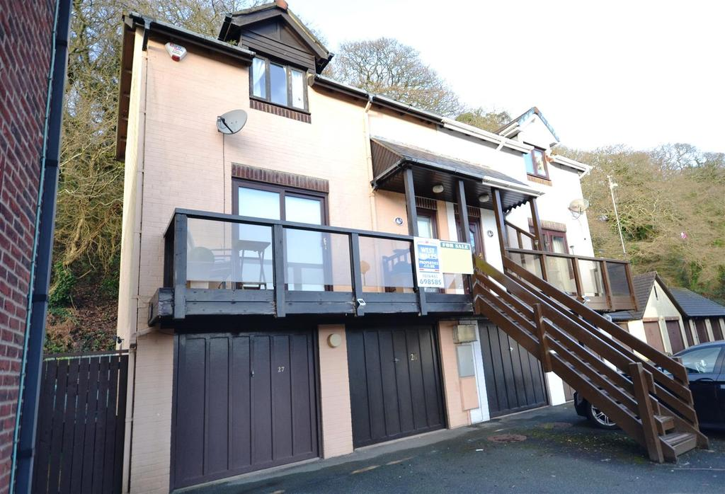 2 Bedrooms Semi Detached House for sale in Neyland