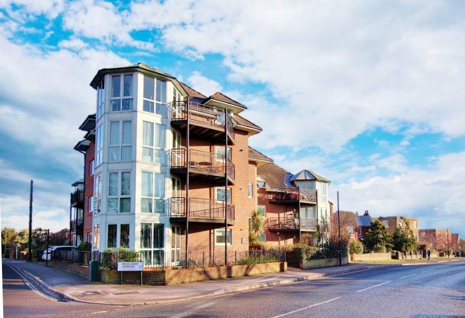 2 Bedrooms Penthouse Flat for sale in Highfield, Southampton