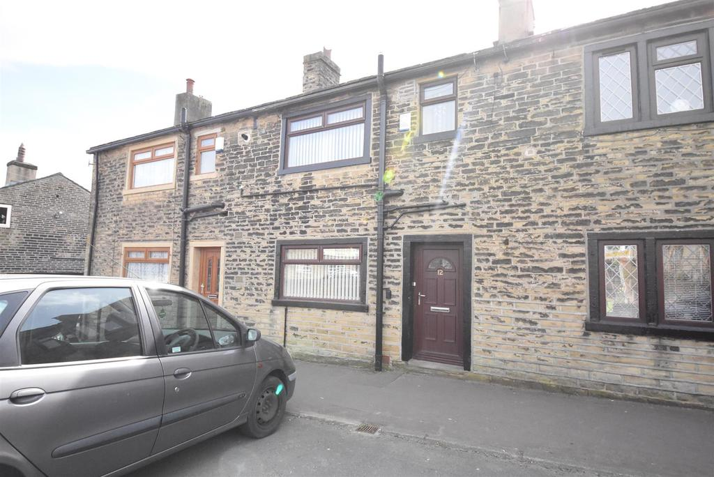 3 Bedrooms Terraced House for rent in Lydgate, Northowram, Halifax