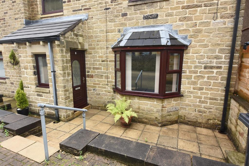 1 Bedroom Flat for sale in Longfield Apartments, Northowram
