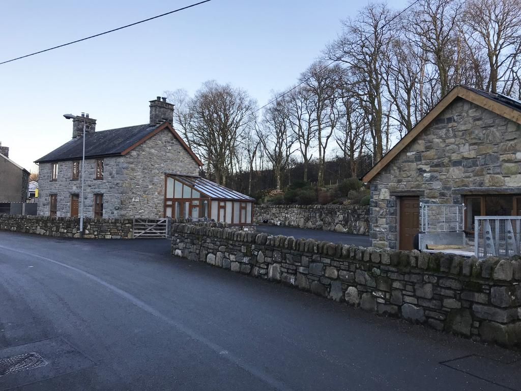 3 Bedrooms House for sale in Gerddi Gleision, Brithdir, LL40