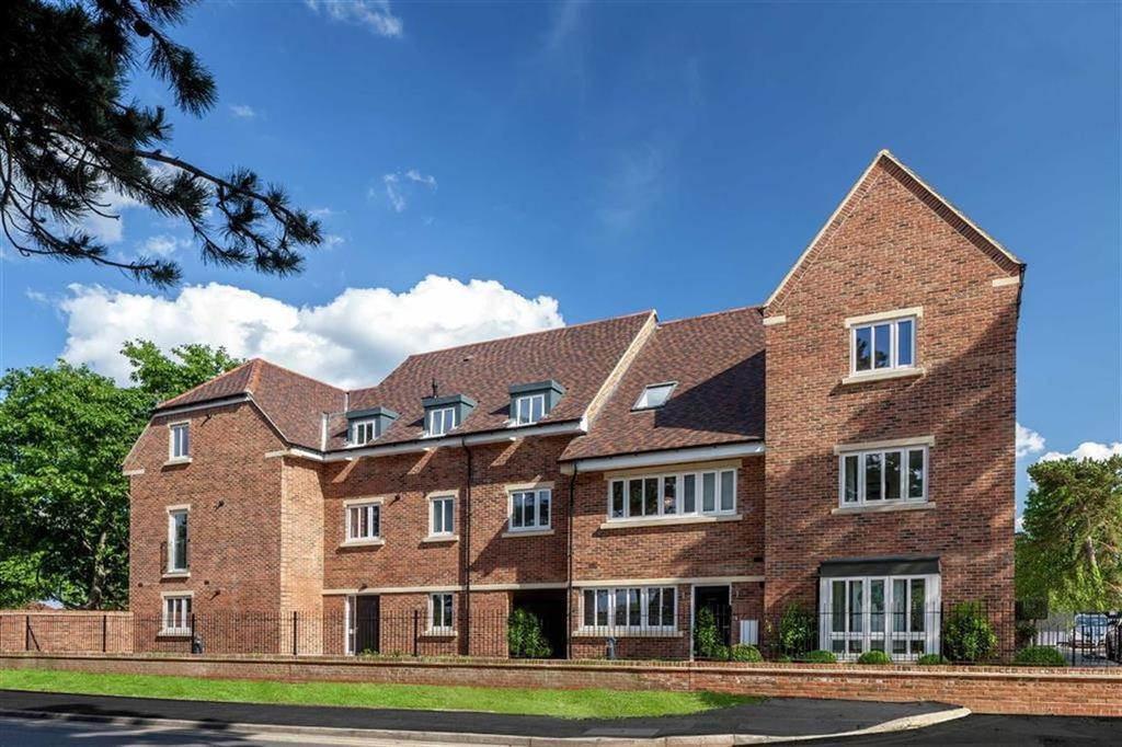 4 Bedrooms End Of Terrace House for sale in Broadwater Gardens, Orpington, Kent