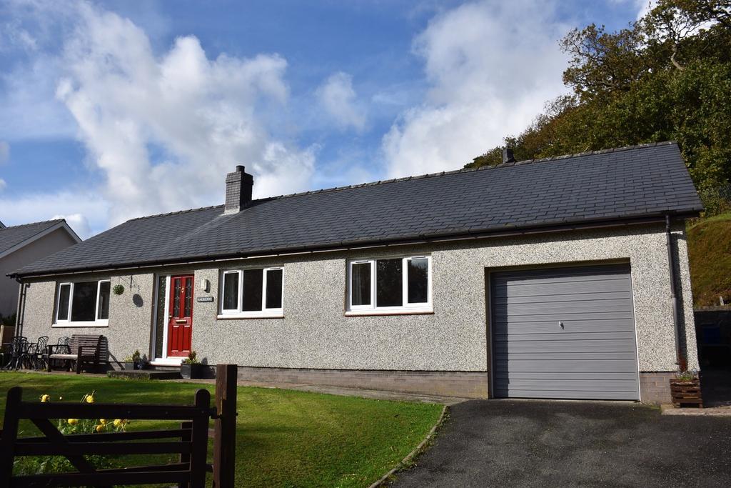 3 Bedrooms Bungalow for sale in Pencefn Road, Dolgellau, LL40