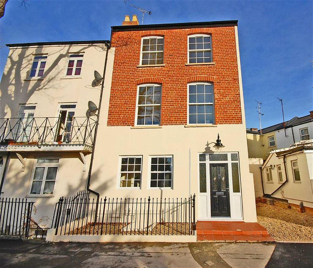 4 Bedrooms Town House for sale in London Road, Charlton Kings, Cheltenham, GL52