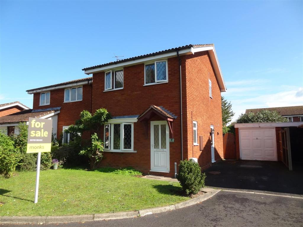 3 Bedrooms Detached House for rent in Millbrook Drive, Shawbury, Shrewsbury