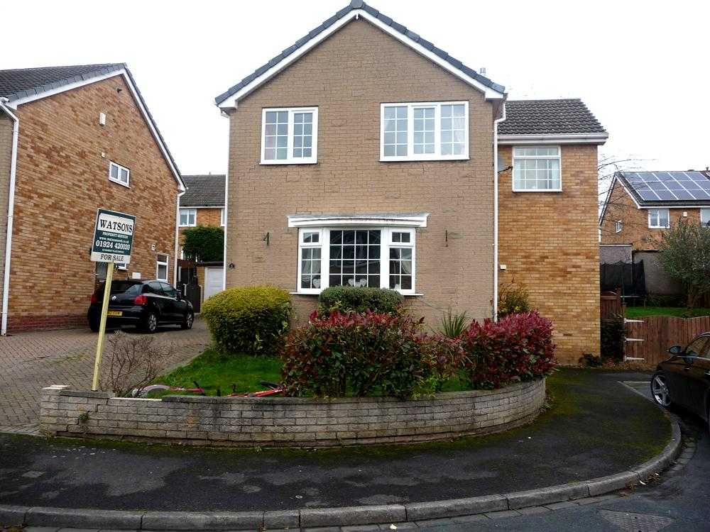 4 Bedrooms Detached House for sale in Sycamore Way