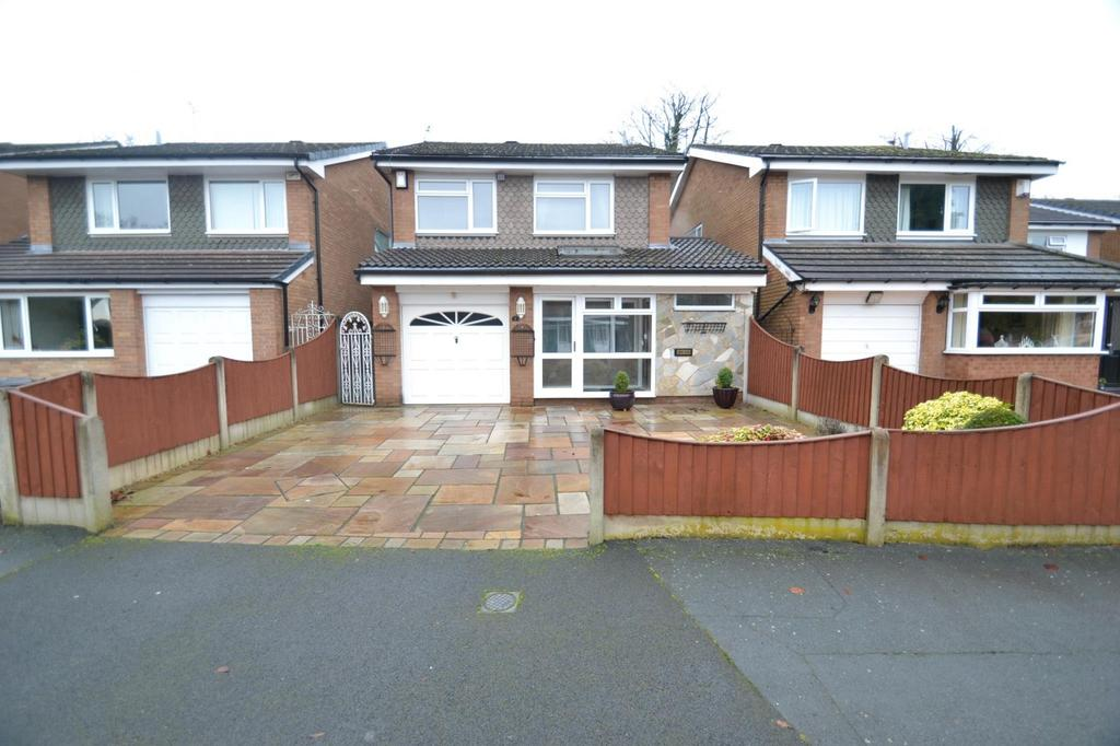 3 Bedrooms Detached House for sale in Cunliffe Drive, Sale