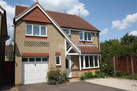 4 bedroom detached house to rent - Portchester Close