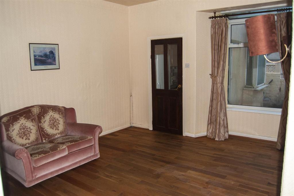 3 Bedrooms Terraced House for sale in Sutcliffe Street, Briercliffe, Burnley