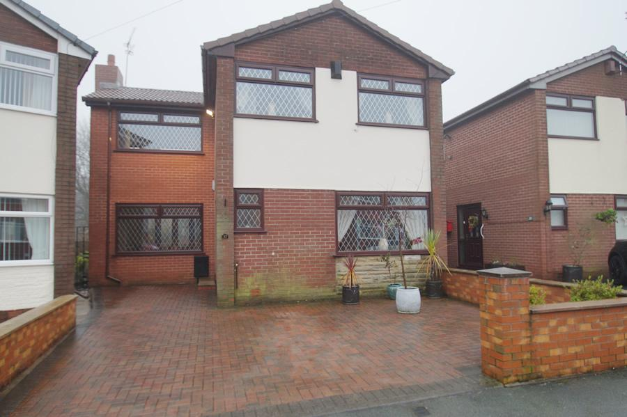 3 Bedrooms Detached House for sale in Spring Lane, Lees OL4
