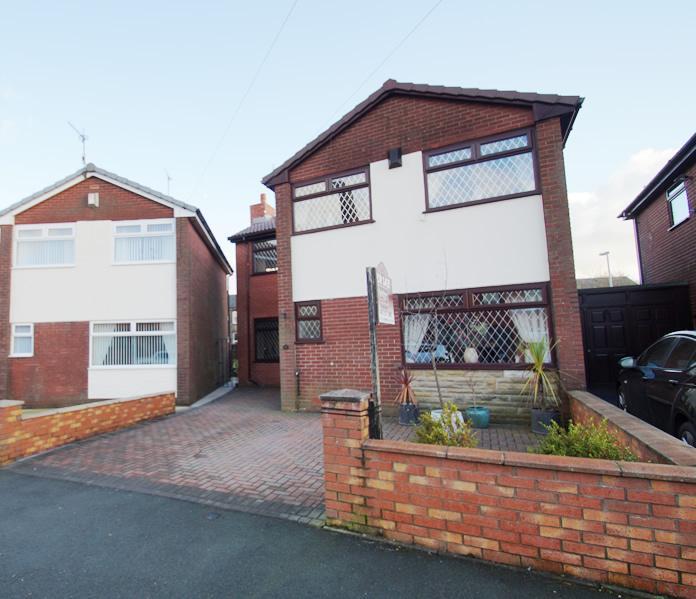 3 Bedrooms Detached House for sale in Spring Lane, Lees OL4