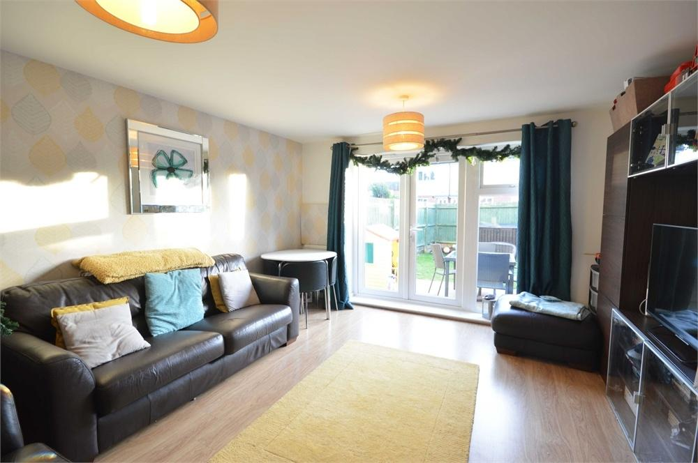 3 Bedrooms Terraced House for sale in High Street, Greenhithe