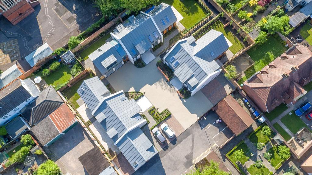 5 Bedrooms Detached House for sale in Salisbury, Wiltshire, SP1
