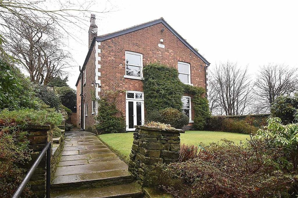 5 Bedrooms Detached House for sale in Crompton Road, Macclesfield