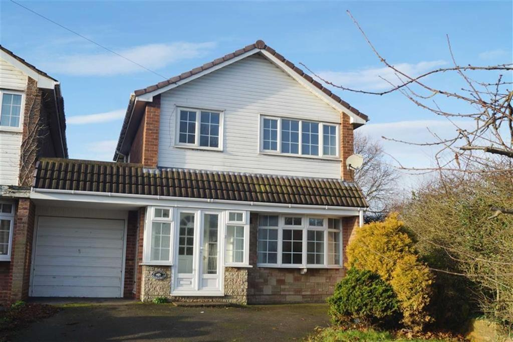 3 Bedrooms Detached House for sale in Oakleigh Drive, Codsall, Wolverhampton