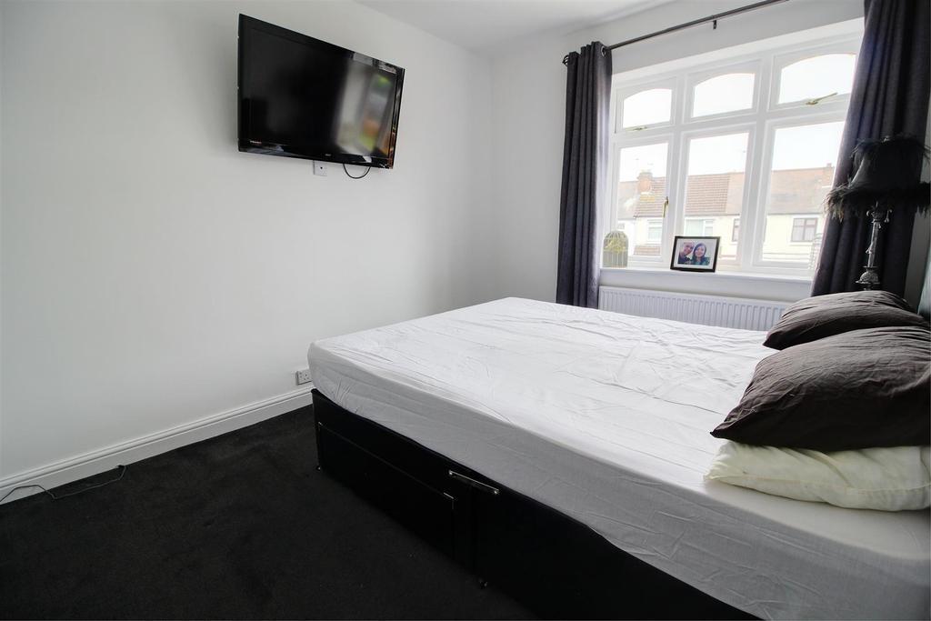 Bedroom One,.jpg