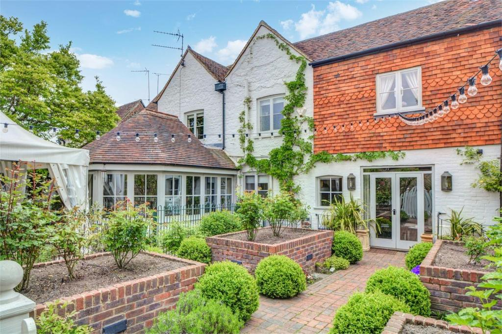 4 Bedrooms House for sale in The Square, Liphook, Hampshire