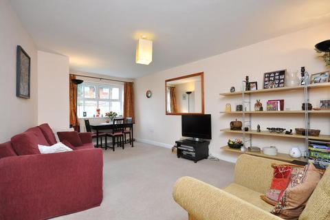 2 bedroom flat to rent - Macmillan Way, Heritage Park, London, SW17