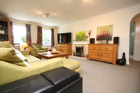 4 bedroom detached house to rent - Oxford Close, Cheltenham, Gloucestershire, GL52