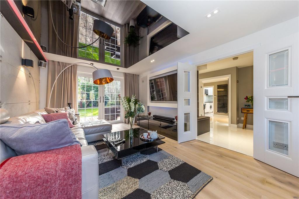 4 Bedrooms Detached House for sale in Sylvandale, Welwyn Garden City, Hertfordshire