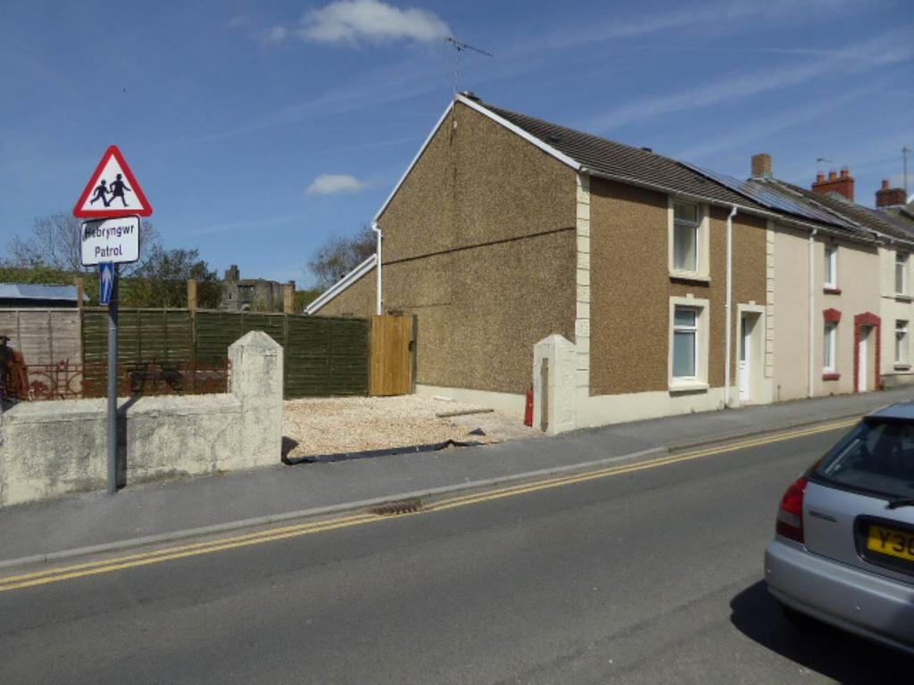 2 Bedrooms House for rent in Lady Street, Kidwelly, Carmarthenshire